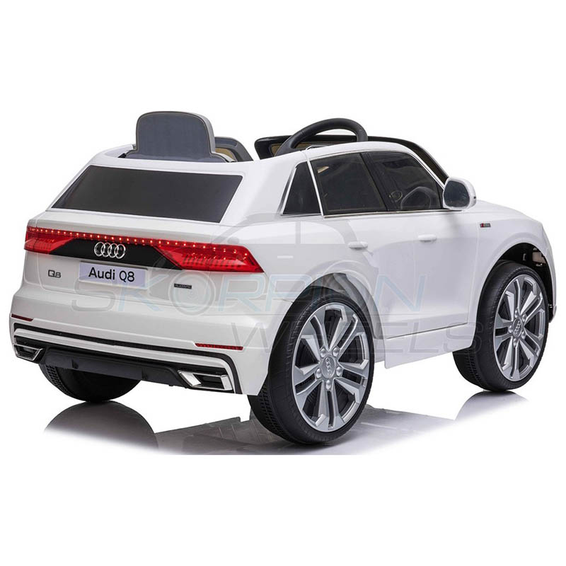 SkorpionWheels Ηλεκτροκίνητο παιδικό αυτοκίνητο Audi Q8  Licenced 12v με τηλεκοντρόλ Λευκό 52460661